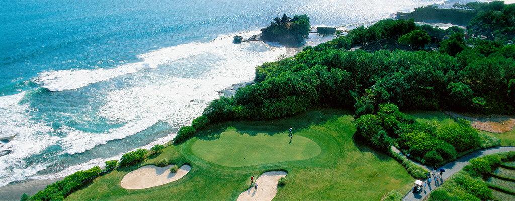 Villa Cendrawasih - Golf course next door